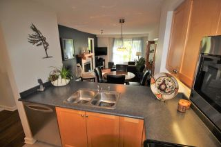 """Photo 11: 305 808 SANGSTER Place in New Westminster: The Heights NW Condo for sale in """"THE BROCKTON"""" : MLS®# R2294830"""