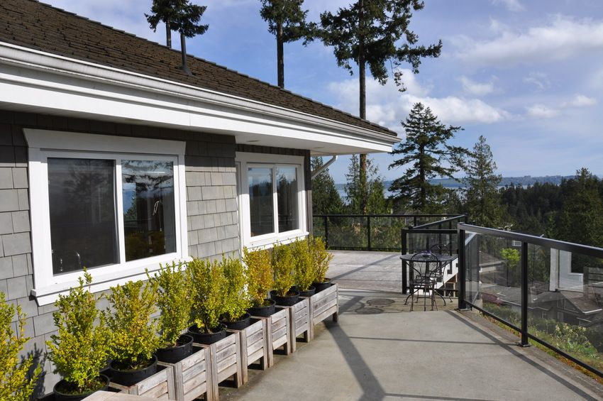 Main Photo: 4798 HEADLAND Place in West Vancouver: Caulfeild Home for sale ()  : MLS®# V824639