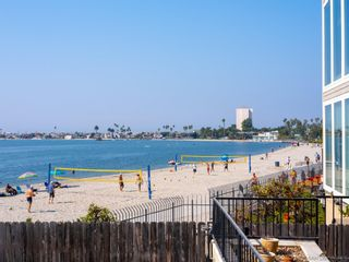 Photo 4: PACIFIC BEACH Condo for sale : 2 bedrooms : 1235 Parker Place #1F in San Diego
