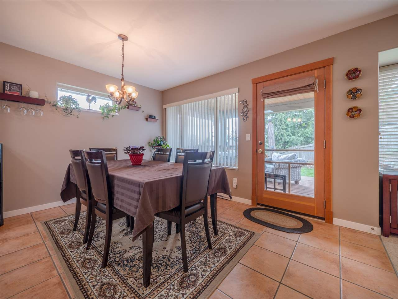 Photo 8: Photos: 6335 PICADILLY Place in Sechelt: Sechelt District House for sale (Sunshine Coast)  : MLS®# R2248834