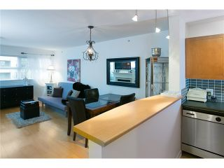 """Photo 2: 407 2181 W 12TH Avenue in Vancouver: Kitsilano Condo for sale in """"THE CARLINGS"""" (Vancouver West)  : MLS®# V987441"""