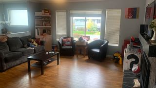 Photo 3: 2366 BROADWAY Street in Abbotsford: Abbotsford West House for sale : MLS®# R2623984