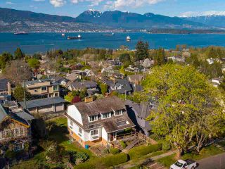 """Photo 4: 4545 W 6TH Avenue in Vancouver: Point Grey House for sale in """"Point Grey"""" (Vancouver West)  : MLS®# R2575660"""