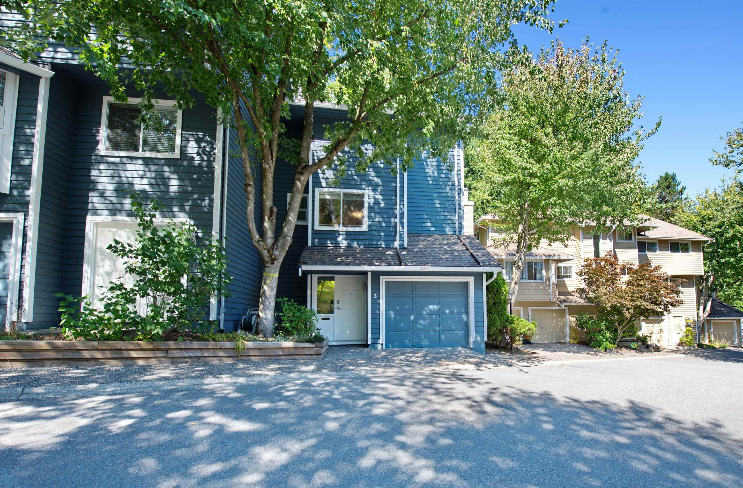 """Main Photo: 3 9000 ASH GROVE Crescent in Burnaby: Forest Hills BN Townhouse for sale in """"Ashbrook Place"""" (Burnaby North)  : MLS®# R2615088"""