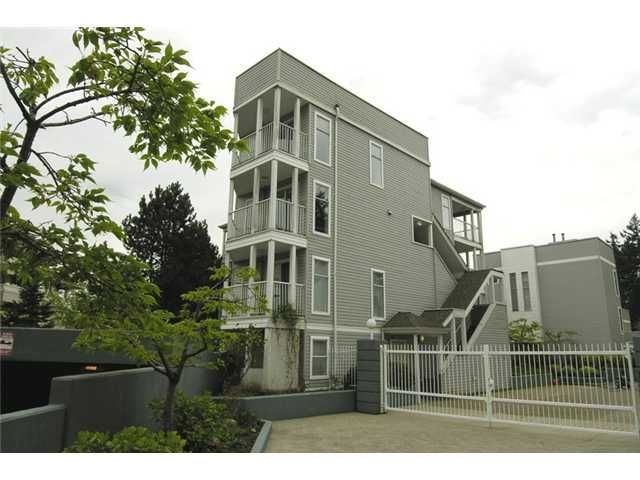 """Main Photo: 47 7345 SANDBORNE Avenue in Burnaby: South Slope Townhouse for sale in """"SANDBORNE WOODS"""" (Burnaby South)  : MLS®# V823855"""