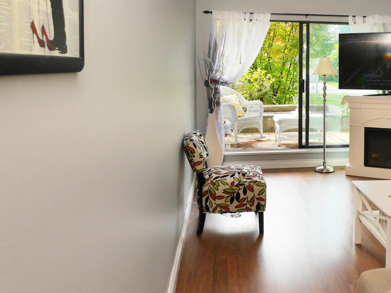"""Photo 7: Photos: 105 9952 149 Street in Surrey: Guildford Condo for sale in """"Tall Timbers"""" (North Surrey)  : MLS®# R2107429"""