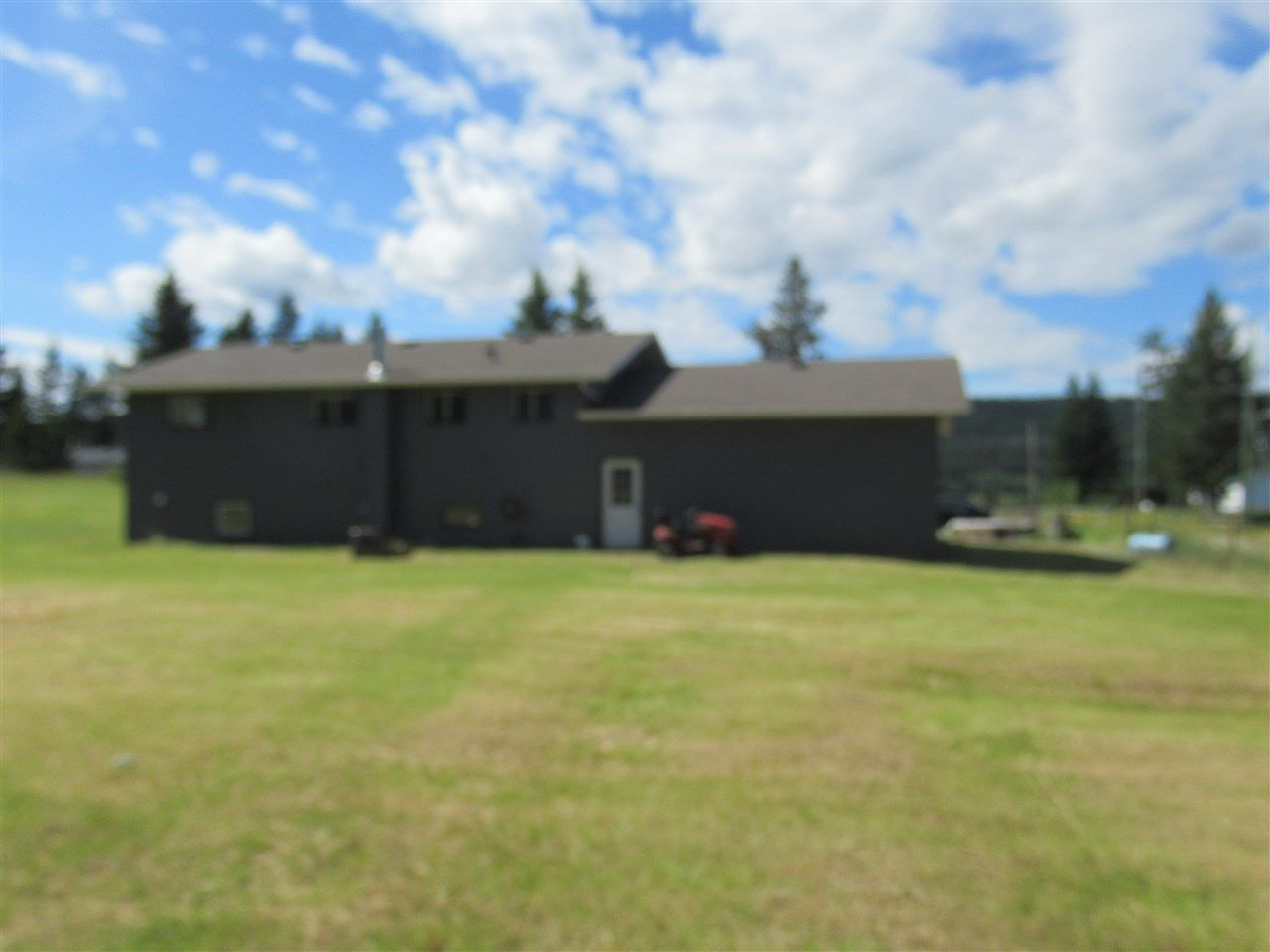 Photo 3: Photos: 3257 HINSCHE Road in Williams Lake: Williams Lake - Rural East House for sale (Williams Lake (Zone 27))  : MLS®# R2477340