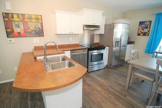 Photo 3: 4 135 Keedwell Street in Saskatoon: Willowgrove Residential for sale : MLS®# SK870595