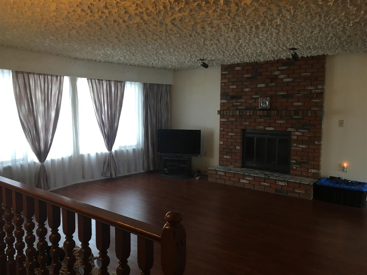 Photo 2: Photos: 160 BETTCHER Street in Quesnel: Quesnel - Town House for sale (Quesnel (Zone 28))  : MLS®# R2337127