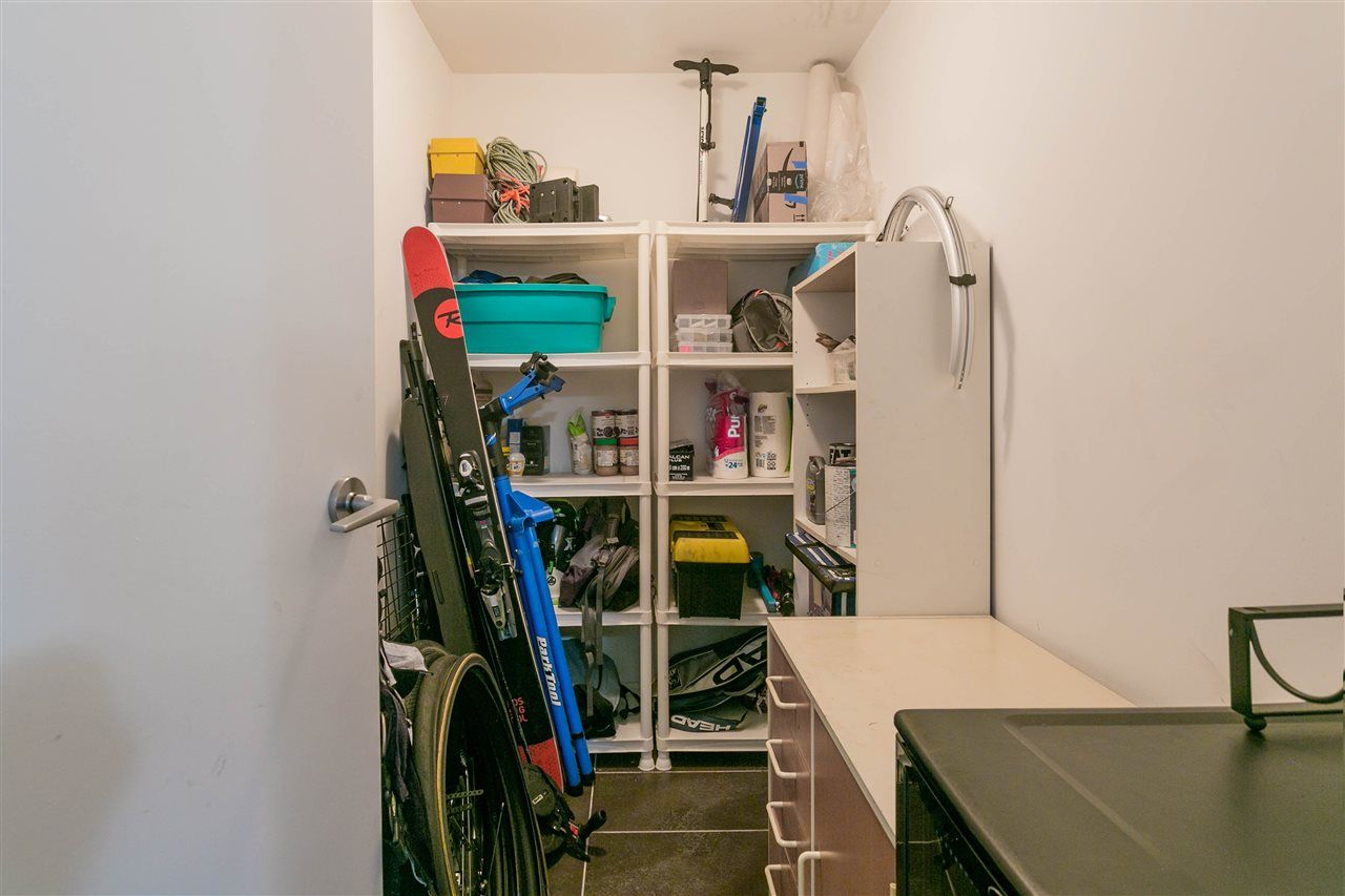 """Photo 18: Photos: 401 E 16TH Avenue in Vancouver: Mount Pleasant VE Condo for sale in """"Sixteen East"""" (Vancouver East)  : MLS®# R2494870"""