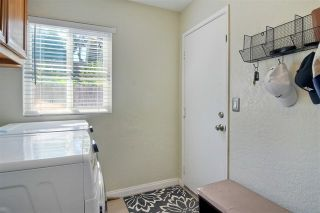 Photo 13: 1005 Maryland Dr in Vista: Residential for sale (92083 - Vista)  : MLS®# 200043146