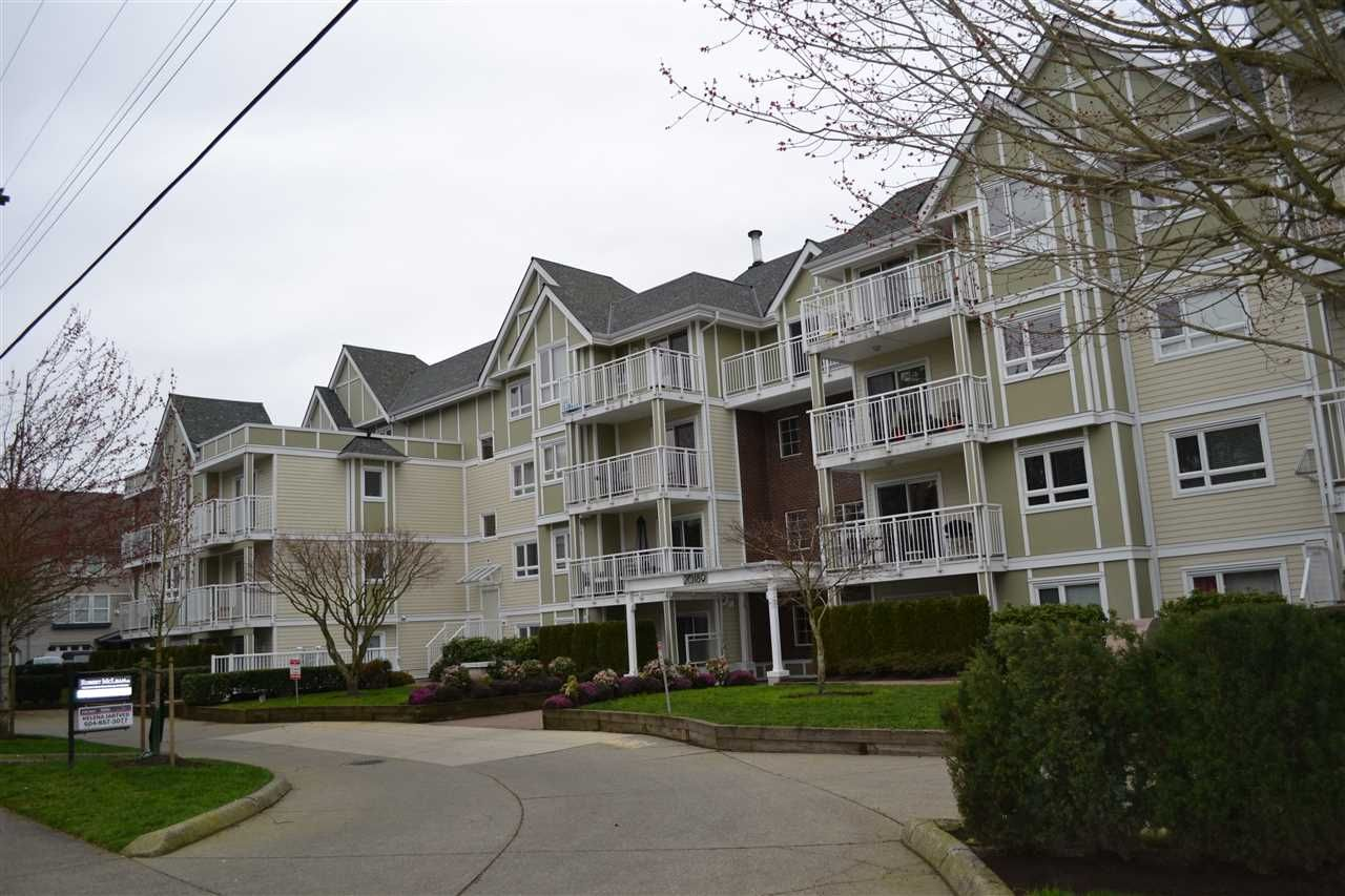 """Main Photo: 208 20189 54 Avenue in Langley: Langley City Condo for sale in """"CATALINA GARDENS"""" : MLS®# R2044677"""