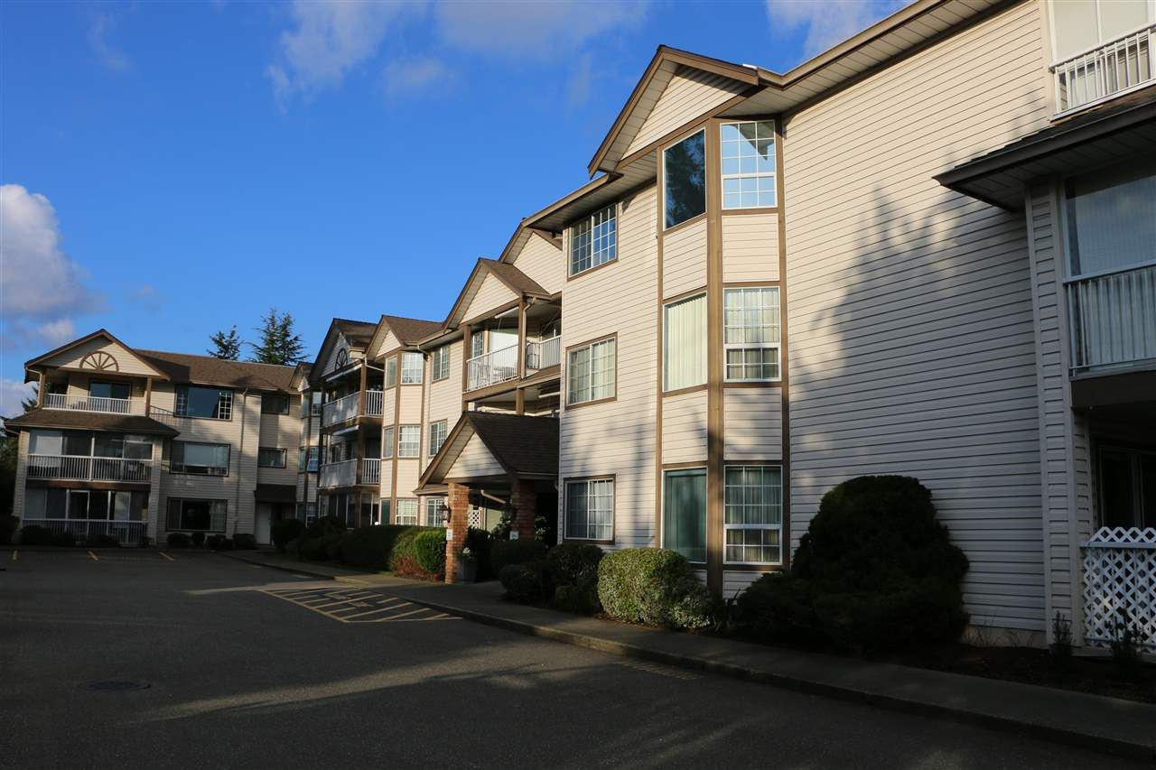 """Main Photo: 209 32145 OLD YALE Road in Abbotsford: Abbotsford West Condo for sale in """"Cypress Park"""" : MLS®# R2034397"""