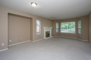 Photo 4: 26431 32 Avenue in Langley: Aldergrove Langley House for sale : MLS®# R2072232