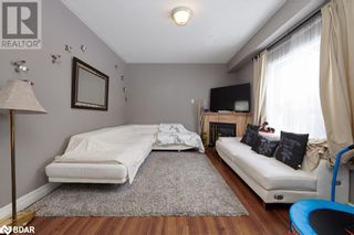 Photo 11: 23 ORLEANS Avenue in Barrie: House for sale : MLS®# 40079706