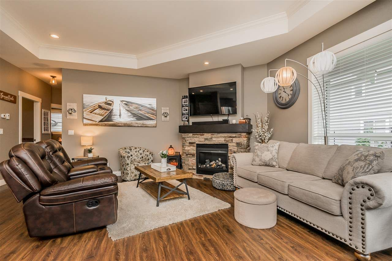 Photo 5: Photos: 51022 SOPHIE Crescent in Chilliwack: Eastern Hillsides House for sale : MLS®# R2437084