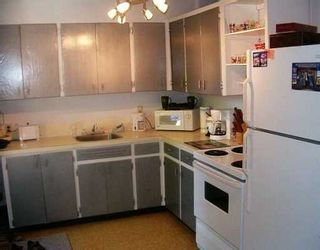 Photo 2: 442 KENT Road in Winnipeg: East Kildonan Single Family Detached for sale (North East Winnipeg)  : MLS®# 2509555