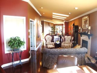Photo 9: 867 Stayte Rd in White Rock: Home for sale