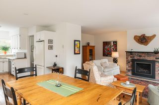 Photo 13: 905 Oliphant Ave in : Vi Fairfield West Row/Townhouse for sale (Victoria)  : MLS®# 857217