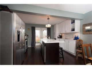 Photo 2: 214 BALMORAL Place in Port Moody: North Shore Pt Moody Townhouse for sale : MLS®# V1056784