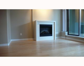 """Photo 4: 303 39 6TH Street in New Westminster: Downtown NW Condo for sale in """"QUANTUM"""" : MLS®# V781077"""
