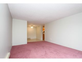 """Photo 6: 12 7549 HUMPHRIES Court in Burnaby: Edmonds BE Townhouse for sale in """"SOUTHWOOD COURT"""" (Burnaby East)  : MLS®# V1108085"""