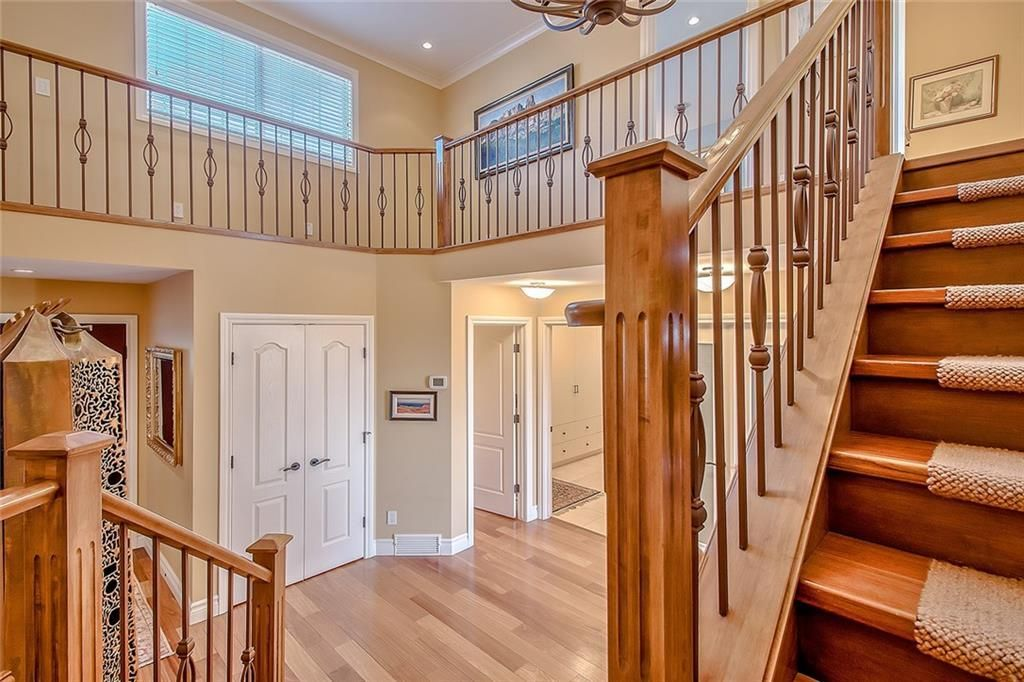 Photo 22: Photos: 153 SIGNATURE Close SW in Calgary: Signal Hill Detached for sale : MLS®# C4283177