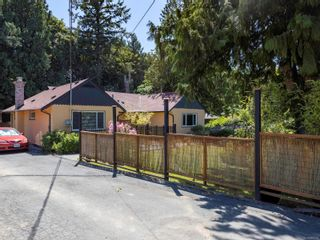Photo 2: 1013 Sluggett Rd in : CS Brentwood Bay House for sale (Central Saanich)  : MLS®# 882753