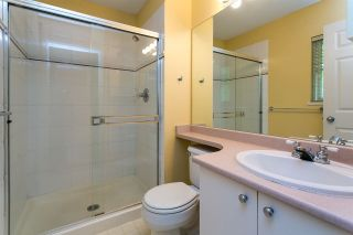 """Photo 15: 68 6465 184A Street in Surrey: Cloverdale BC Townhouse for sale in """"Rosebury Lane"""" (Cloverdale)  : MLS®# R2306057"""
