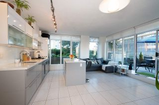 """Photo 4: 604 1252 HORNBY Street in Vancouver: Downtown VW Condo for sale in """"PURE"""" (Vancouver West)  : MLS®# R2552588"""