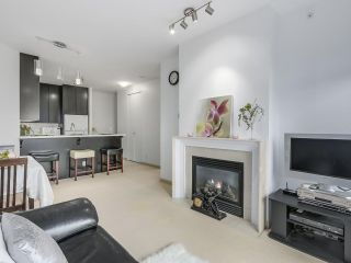 """Photo 7: 408 7368 SANDBORNE Avenue in Burnaby: South Slope Condo for sale in """"MAYFAIR 1"""" (Burnaby South)  : MLS®# R2380990"""