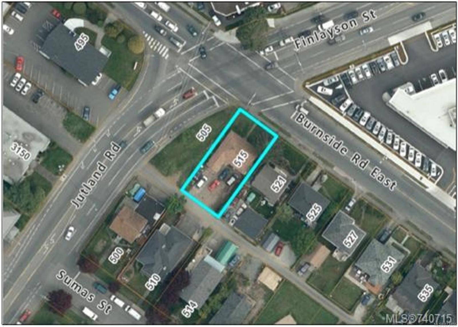 Main Photo: 515 E Burnside Rd in : Vi Burnside House for sale (Victoria)  : MLS®# 873404