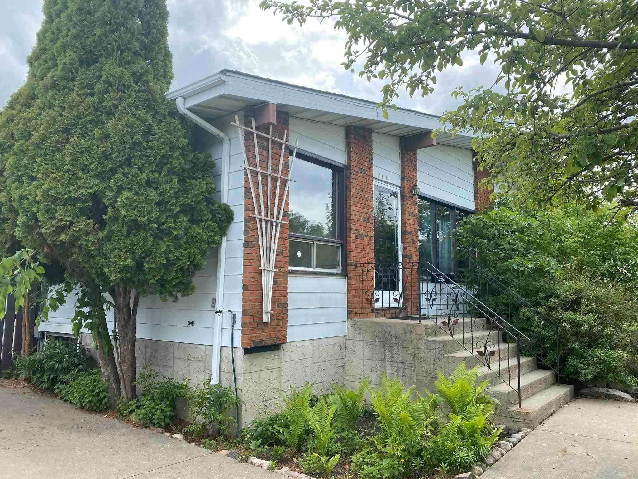 Main Photo: 3011 132A Avenue in Edmonton: Zone 35 House Half Duplex for sale : MLS®# E4248216