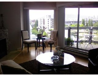 "Photo 8: 403 1345 W 4TH Avenue in Vancouver: False Creek Condo for sale in ""GRANVILLE ISLAND VILLAGE"" (Vancouver West)  : MLS®# V715867"