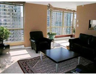 """Photo 4: 2602 867 HAMILTON Street in Vancouver: Downtown VW Condo for sale in """"JARDINE'S LOOKOUT"""" (Vancouver West)  : MLS®# V674303"""