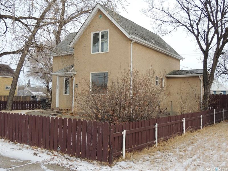 FEATURED LISTING: 537 3rd Street Estevan