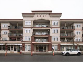 """Photo 1: 411 2632 PAULINE Street in Abbotsford: Central Abbotsford Condo for sale in """"Yale Crossing"""" : MLS®# R2237258"""