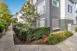"""Photo 3: 116 8130 136A Street in Surrey: Bear Creek Green Timbers Townhouse for sale in """"KING'S LANDING"""" : MLS®# R2623898"""