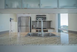 """Photo 6: 806 3333 CORVETTE Way in Richmond: West Cambie Condo for sale in """"Wall Centre at the Marina"""" : MLS®# R2622056"""
