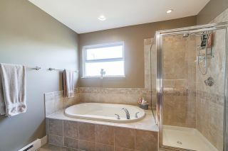 """Photo 10: 11773 237A Street in Maple Ridge: Cottonwood MR House for sale in """"ROCKWELL PARK"""" : MLS®# R2408873"""