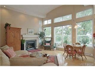 Photo 2: 16 60 Dallas Rd in VICTORIA: Vi James Bay Row/Townhouse for sale (Victoria)  : MLS®# 456406