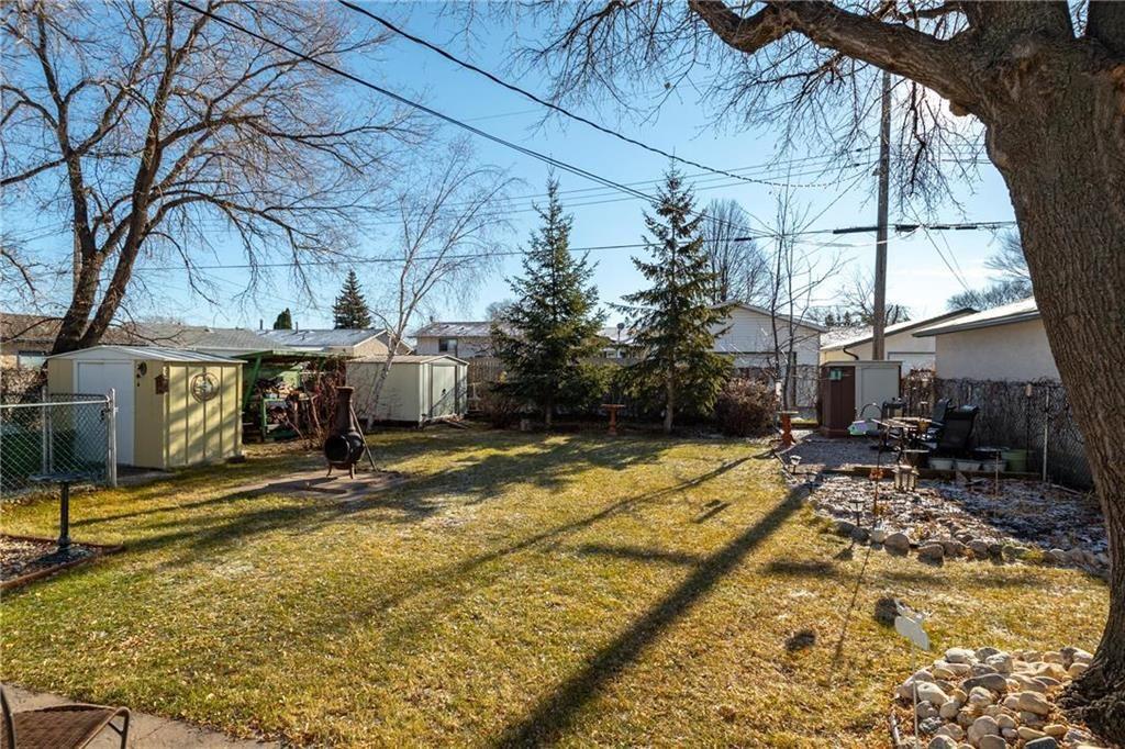 Photo 17: Photos: 34 Glenthorne Crescent in Winnipeg: Bright Oaks Residential for sale (2C)  : MLS®# 202027817