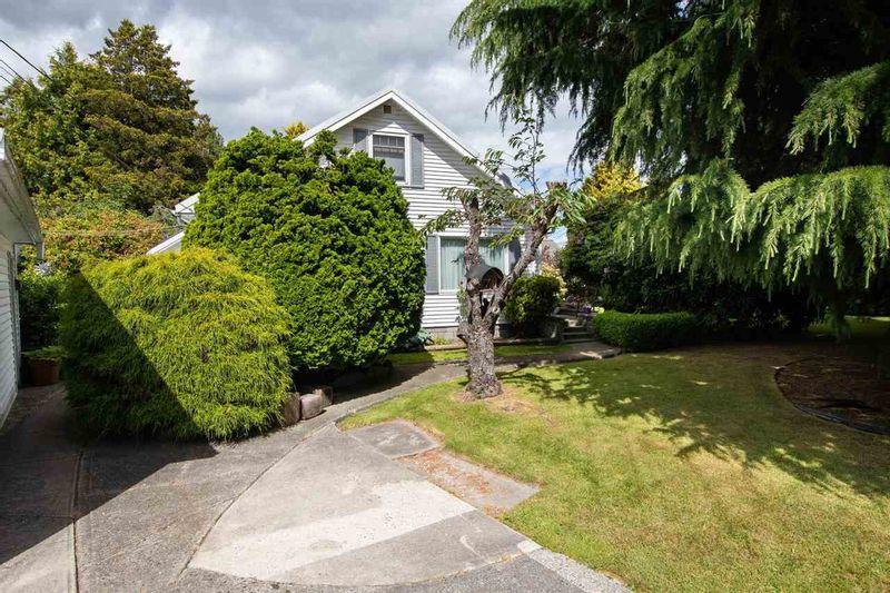 FEATURED LISTING: 5065 CENTRAL Avenue Delta