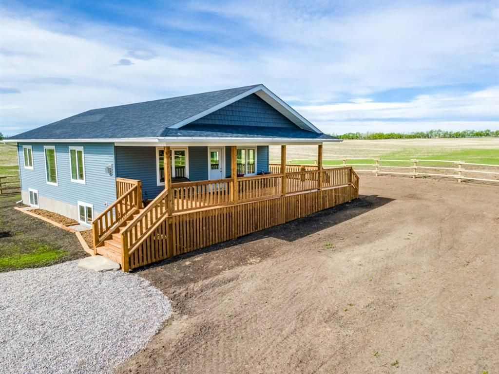 Main Photo: 33538 Range Road 30: Rural Mountain View County Detached for sale : MLS®# A1120243