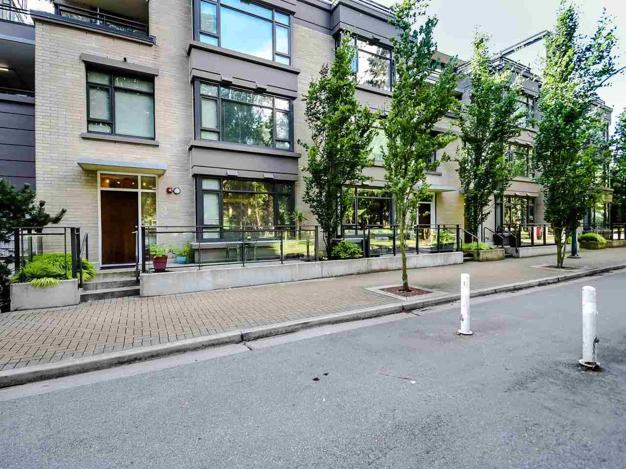 Main Photo: TH4 2789 SHAUGHNESSY Street in Port Coquitlam: Central Pt Coquitlam Townhouse for sale : MLS®# R2491452