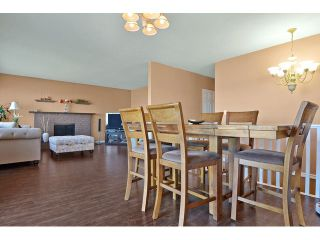 Photo 5: 26864 27TH Avenue in Langley: Aldergrove Langley House for sale : MLS®# F1433361