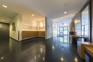 """Photo 3: 503 919 STATION Street in Vancouver: Mount Pleasant VE Condo for sale in """"LEFT BANK"""" (Vancouver East)  : MLS®# R2304592"""