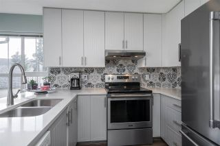 """Photo 13: 18638 65 Avenue in Surrey: Cloverdale BC Townhouse for sale in """"Ridgeway"""" (Cloverdale)  : MLS®# R2537328"""
