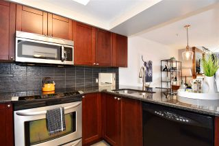 """Photo 12: 104 55 E 10TH Avenue in Vancouver: Mount Pleasant VE Condo for sale in """"ABBEY LANE"""" (Vancouver East)  : MLS®# R2265111"""