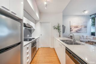 """Photo 5: 127 REGIMENT Square in Vancouver: Downtown VW Condo for sale in """"Spectrum"""" (Vancouver West)  : MLS®# R2590314"""